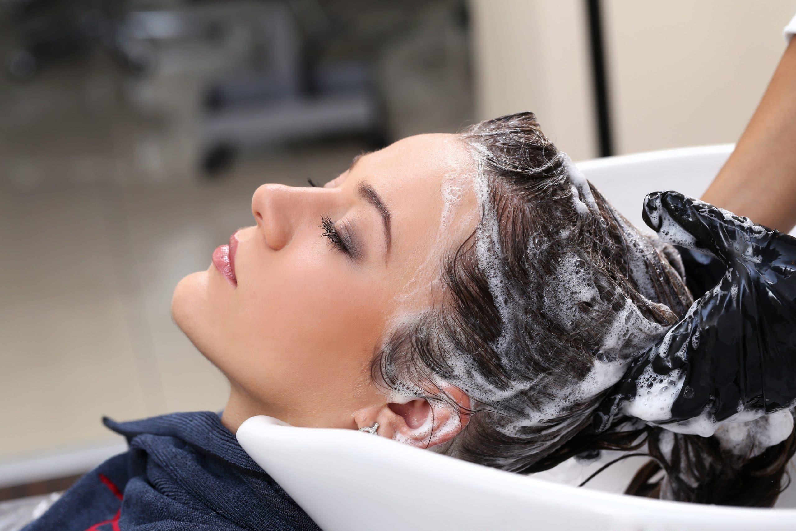Come prendersi cura dei capelli: 11 miti da sfatare