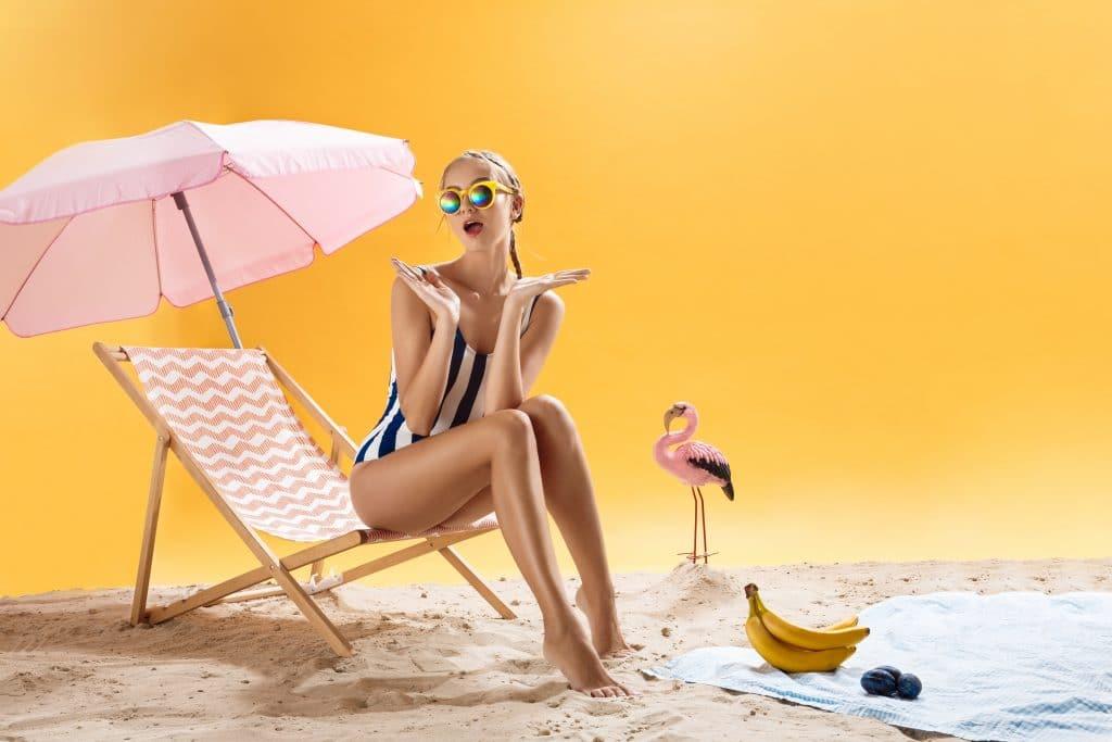 estate - donna al mare - chirurgia plastica